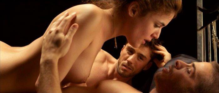 Adriana Ugarte trío sexual película