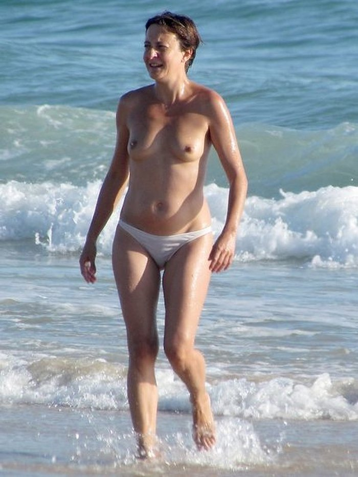 Eva Hache desnuda topless