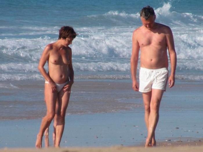 Eva Hache tetas playa Cádiz