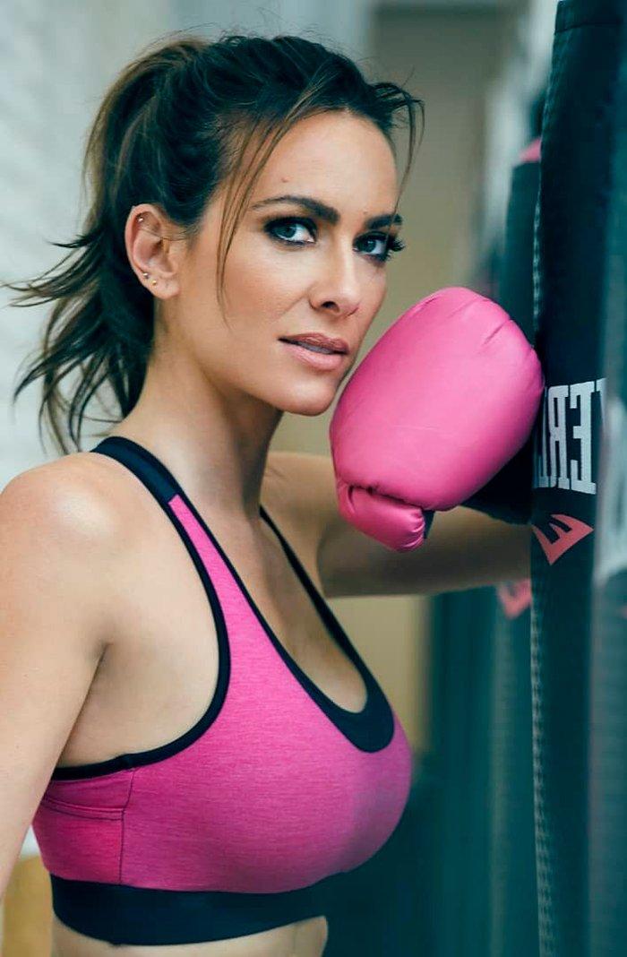 Kira Miro boxeando