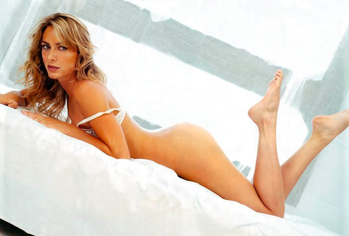 Kira Miro desnuda revista FHM 2