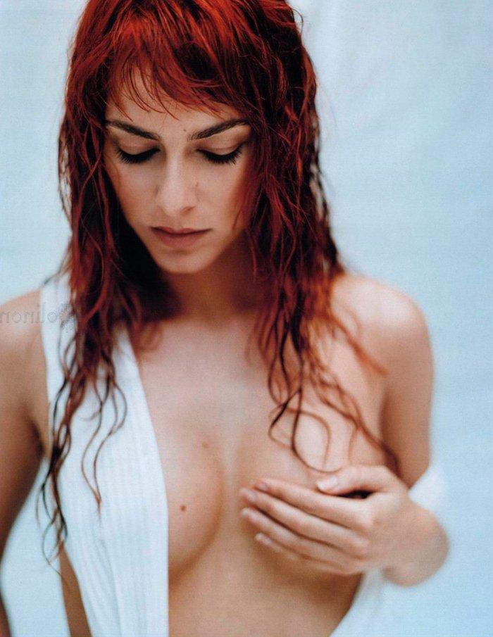 Kira Miro desnuda revista MAN 4