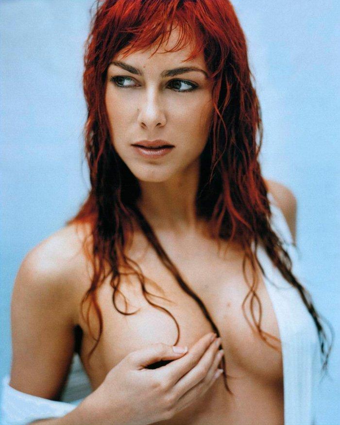 Kira Miro desnuda revista MAN 5