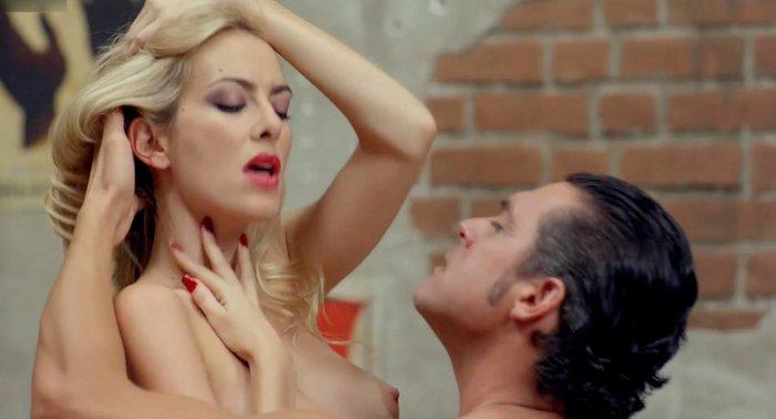 Kira Miro escena sexo No Lo Llames Amor llámalo X