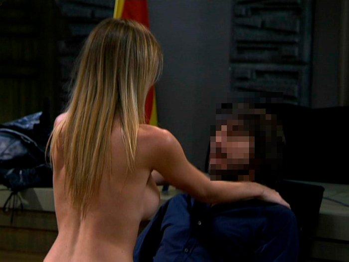 Kira Miro escena sexual Lex Abogados