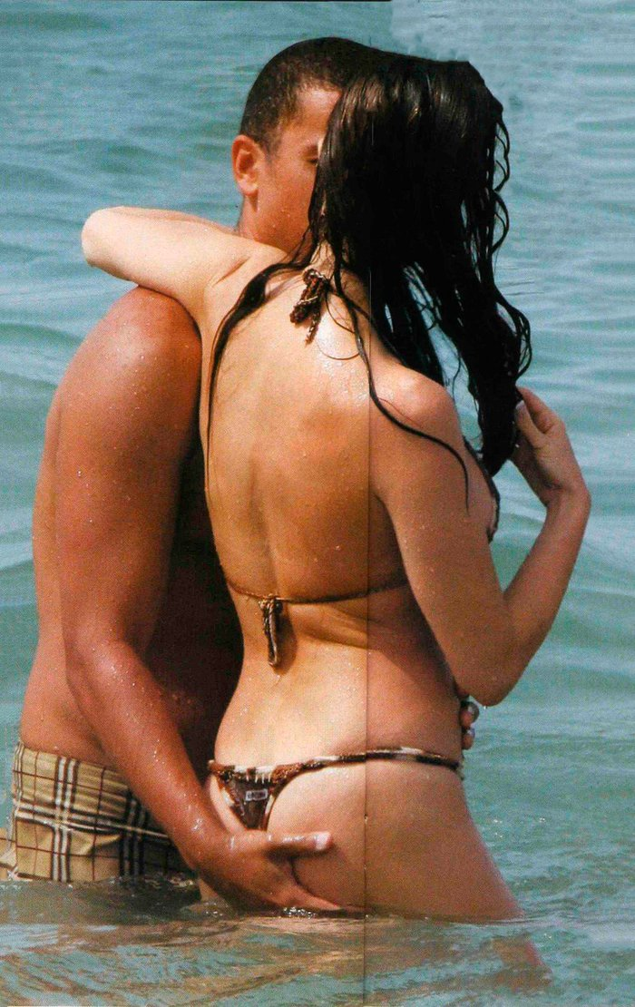 Paz Vega bikini cogida culo