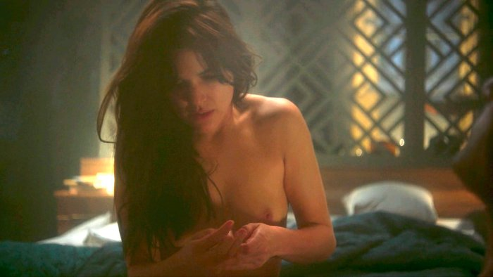 Topless de Adriana Ugarte series television