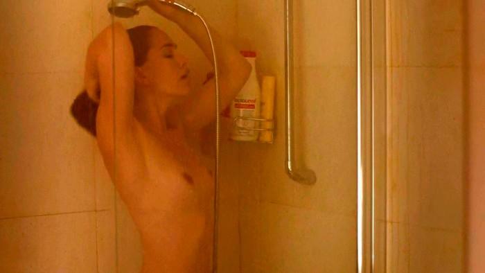 Celia Freijeiro tetas en ducha