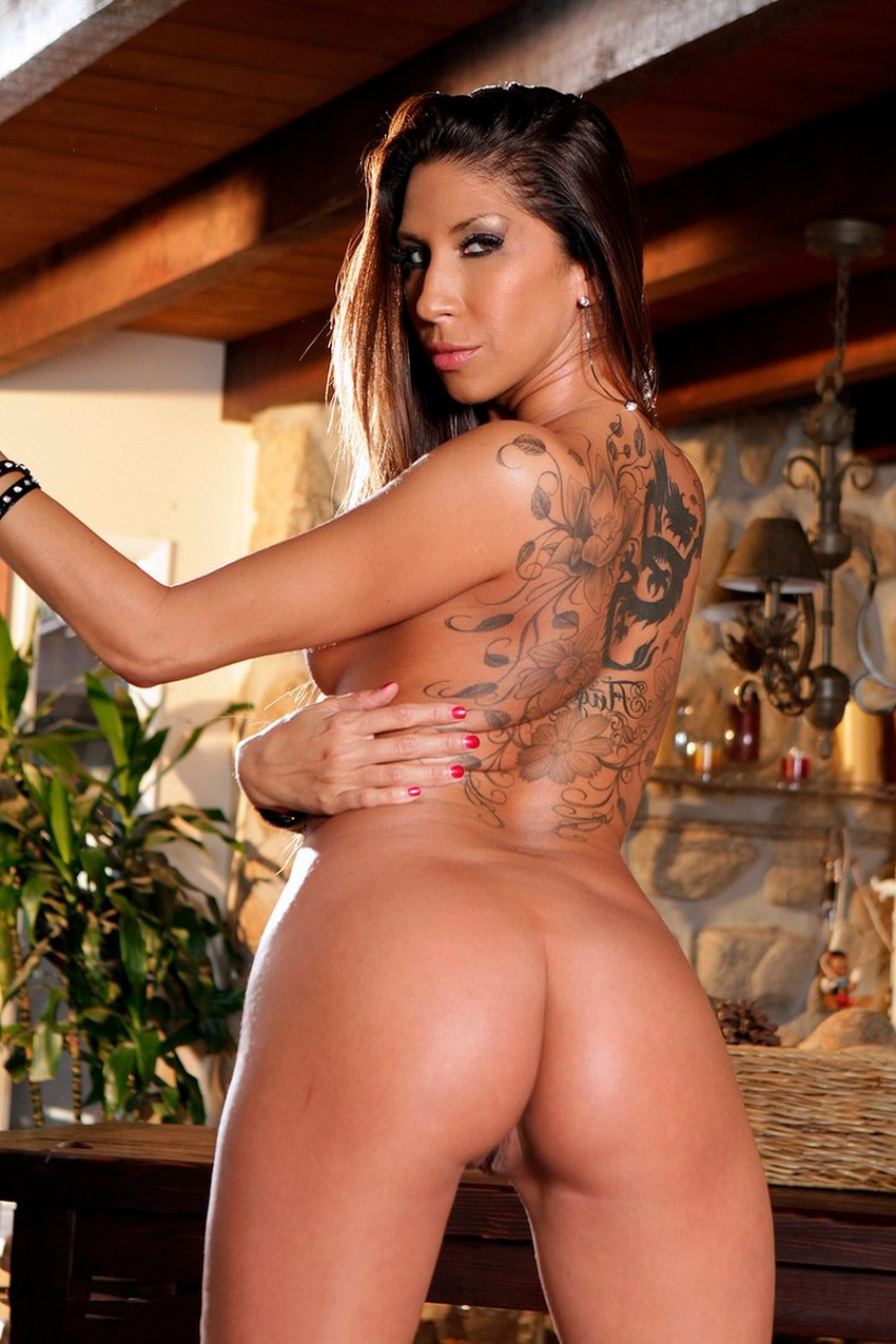 Kayla Carrera tatuajes