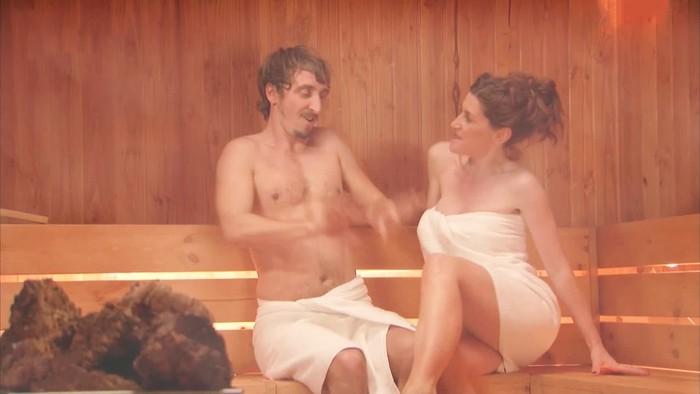 Mar Abascal desvestida en sauna