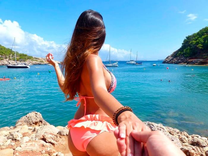 Andrea Gasca traje de baño playa