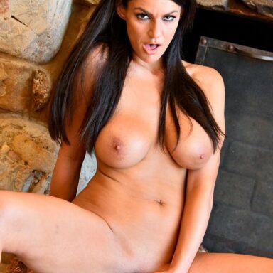 Becky Bandini añade cromos álbum sexual