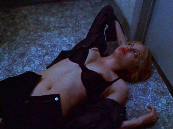 Angelina Jolie escena sexual Cocina Infierno