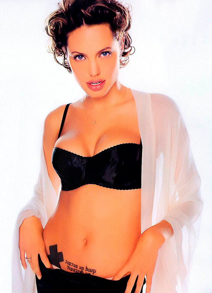 Angelina Jolie fotos sexys lencería 4