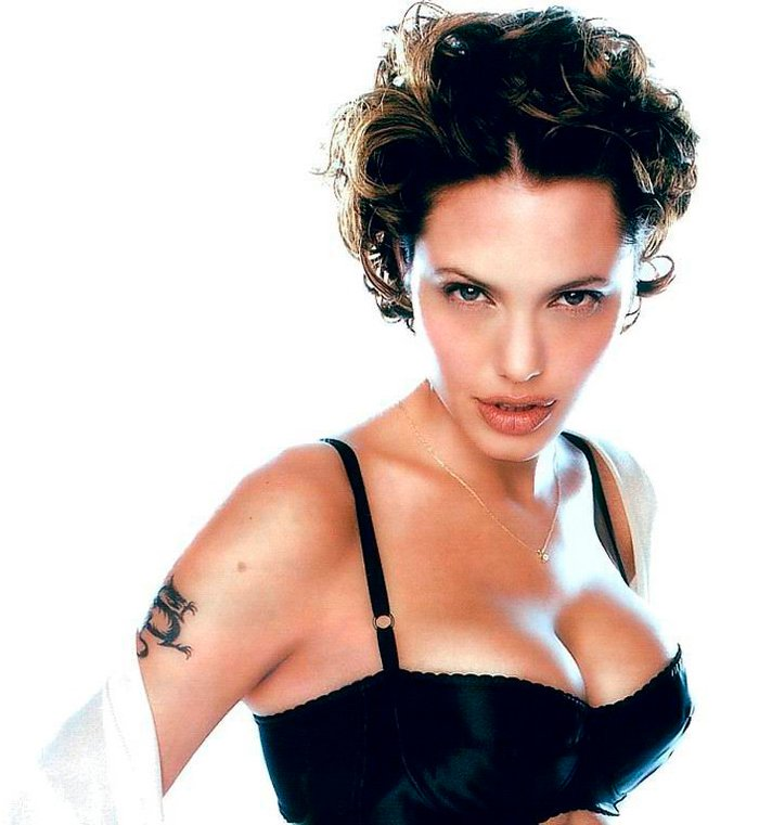 Angelina Jolie fotos sexys lencería