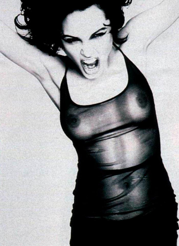 Angelina Jolie modelo erótico transparencia pechos
