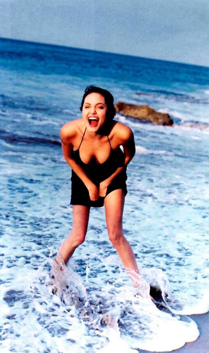 Angelina Jolie posado erótico fotos sensuales 7