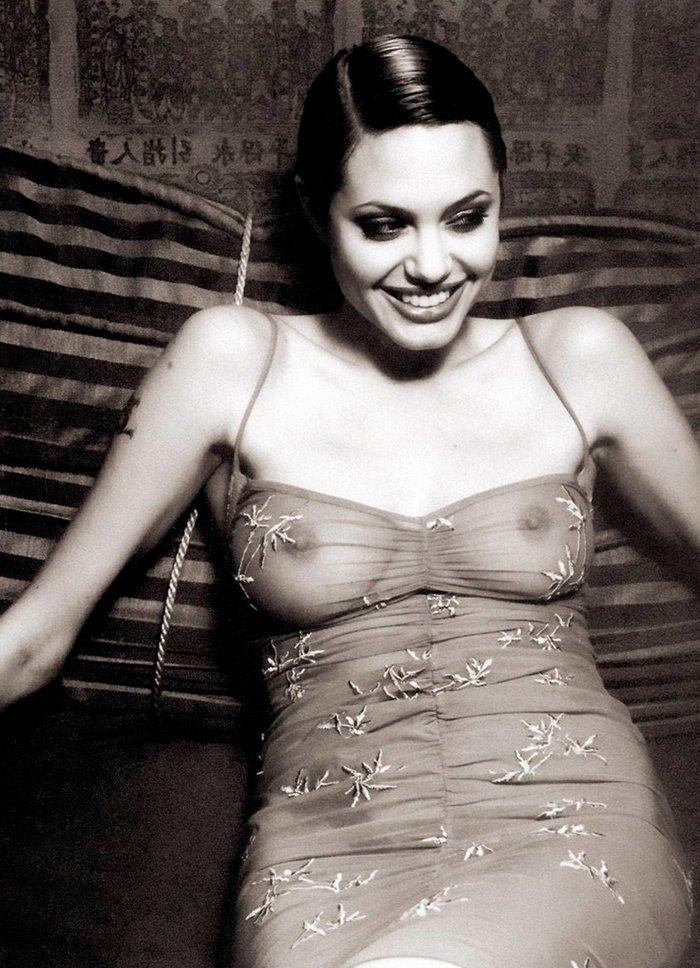 Angelina Jolie posado erótico fotos sensuales 8