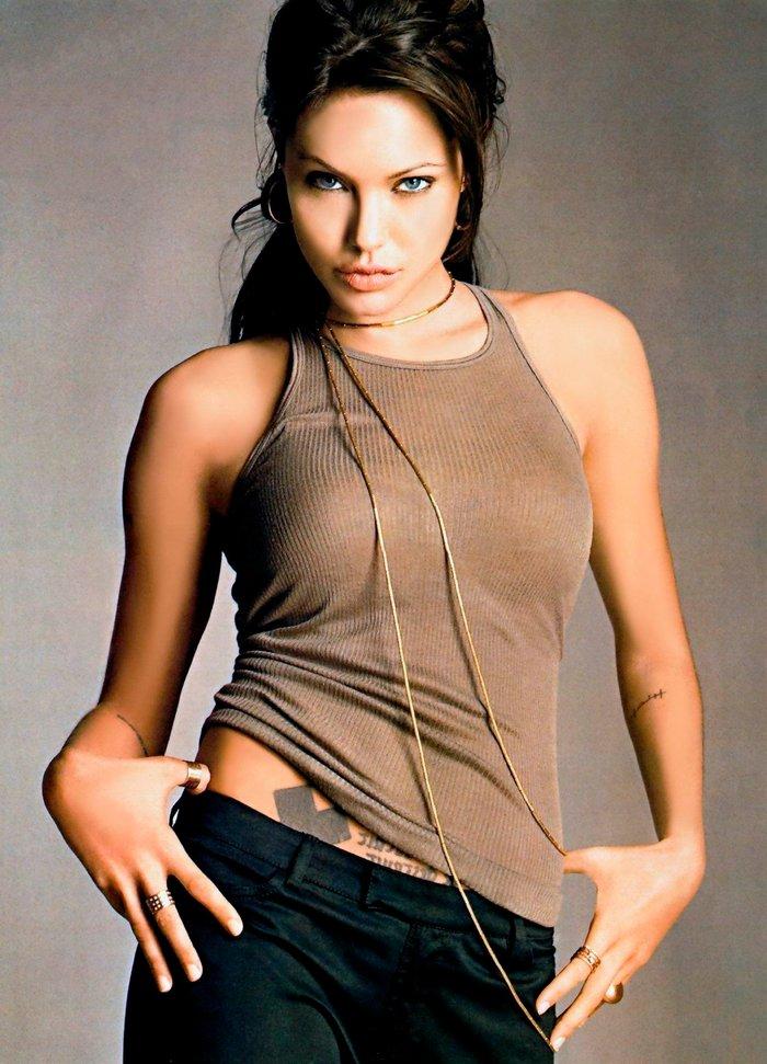 Angelina Jolie posado sexy revista moda 4