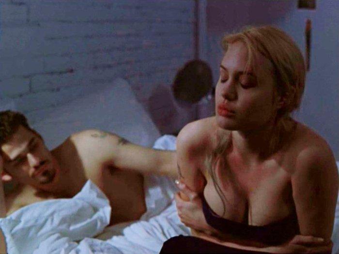 Angelina Jolie tetas apretadas