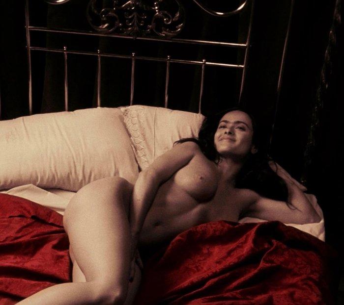 Salma Hayek desnuda Frida