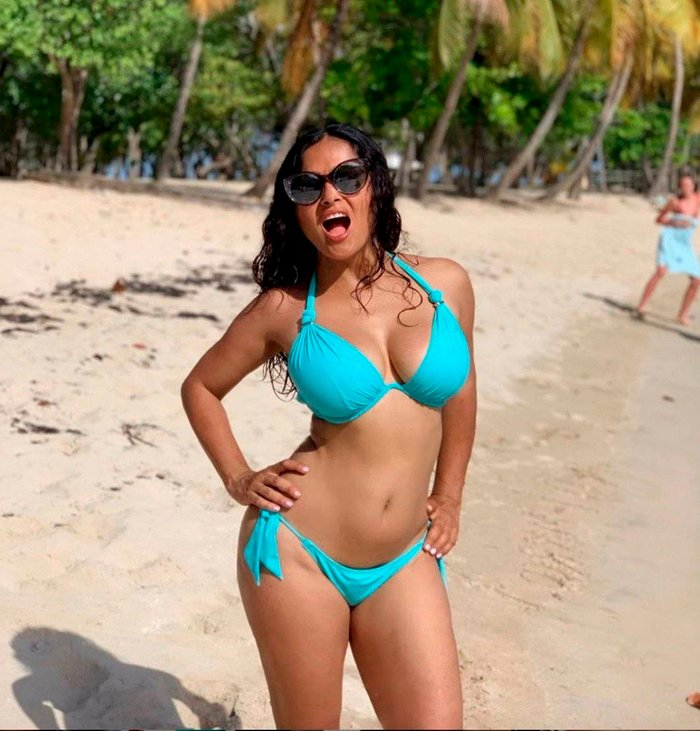 Salma Hayek fotos sexys bikini