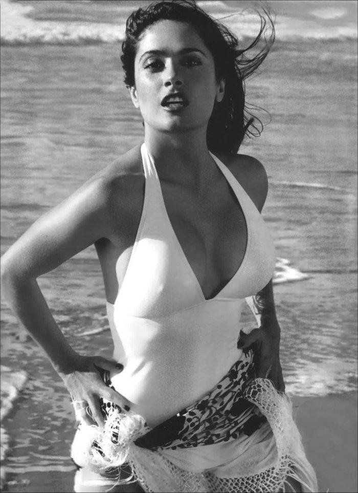Salma Hayek posado erótico revista moda