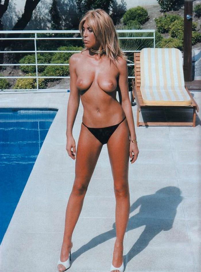 Sonia Arenas posado erótico tetas al aire