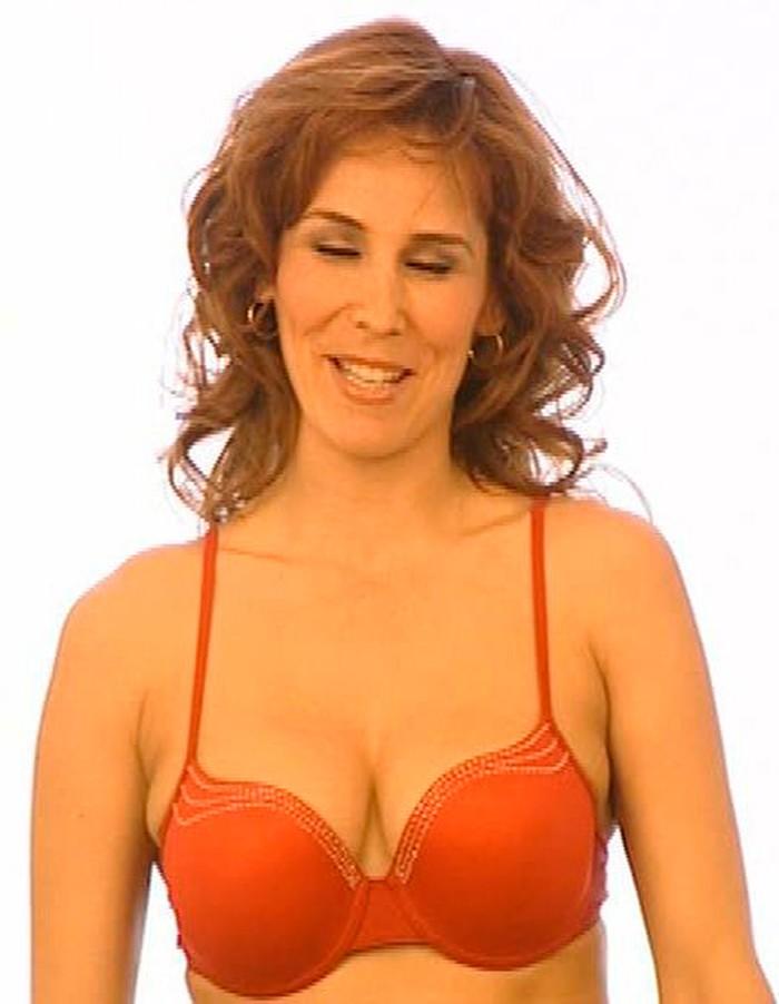 Isabel Pintor sujetador sexy