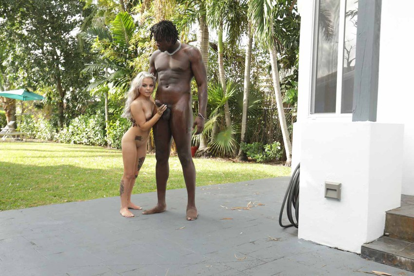 Skylar Valentine interracial BBcPie galería 4