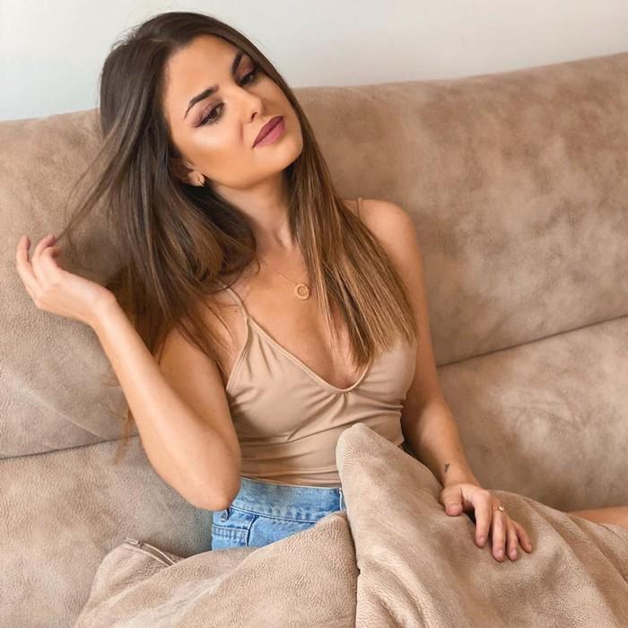 Alexia Rivas reportera Socialité