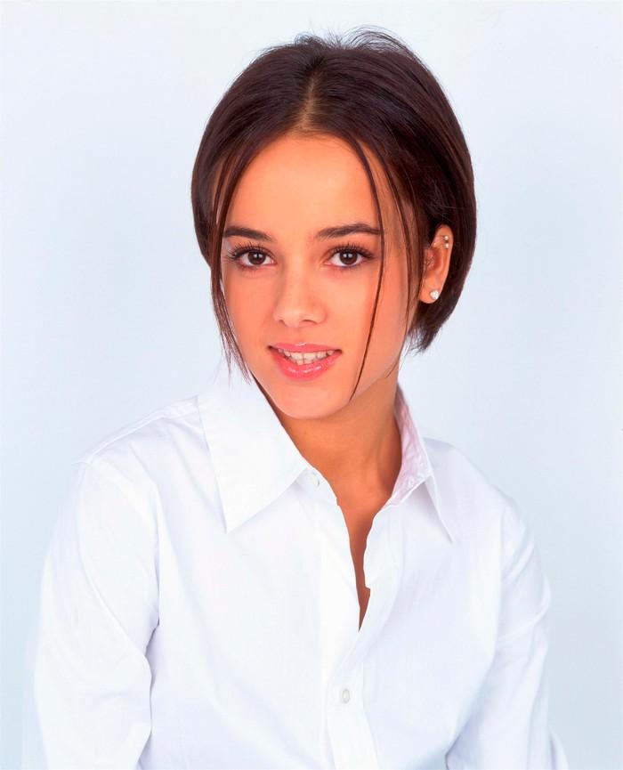 Alizée guapa joven cantante francesa