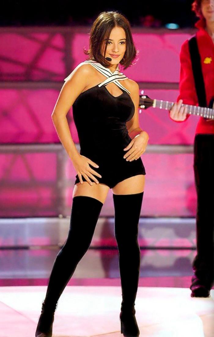 Alizée sensuales bailes cantante francesa