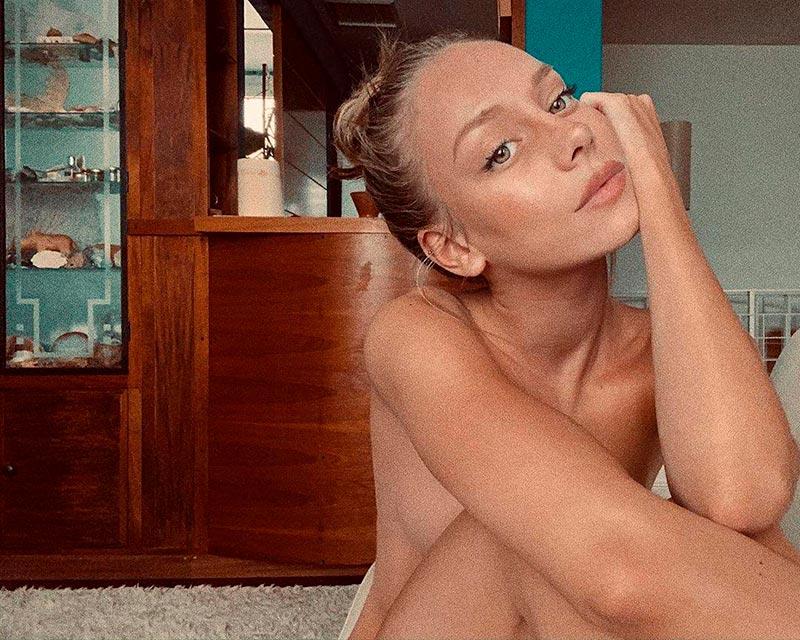 Ester Expósito Fotos Desnuda