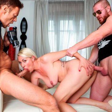 Eva Black vuelve porno