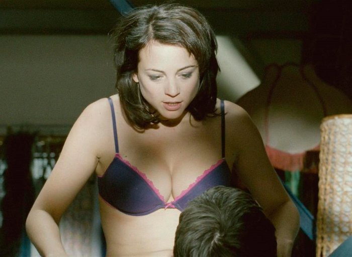 Leonor Watling escena erótica Crímenes Oxford