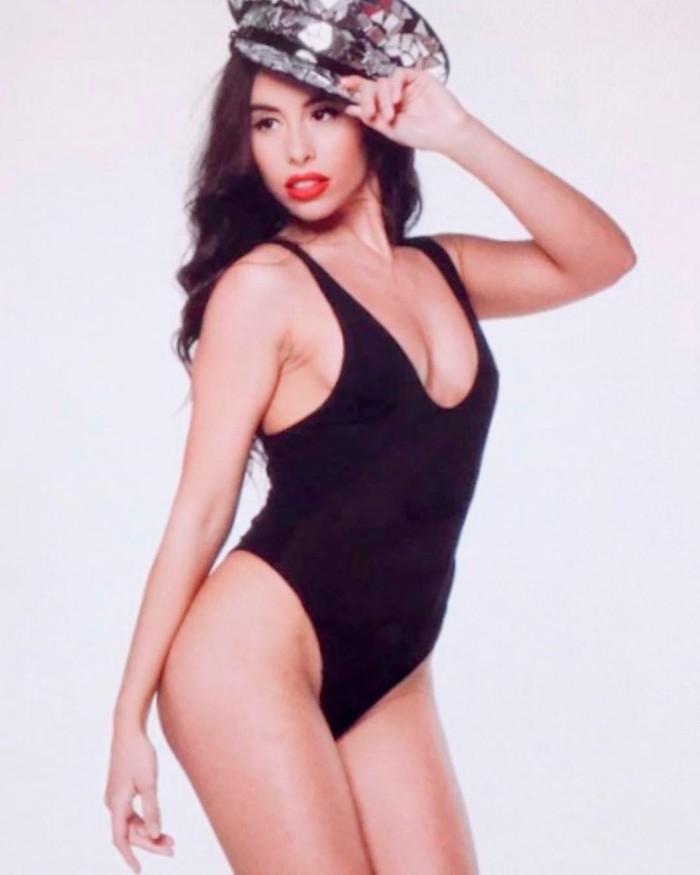 Macarena Millán posado erótico traje baño
