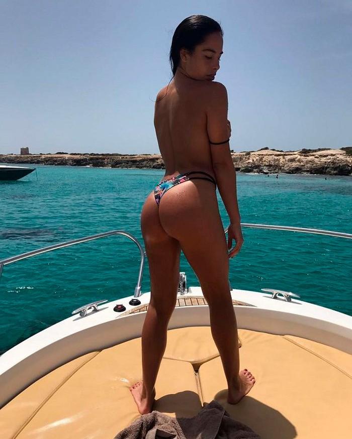 Macarena Millán posado sexy culo