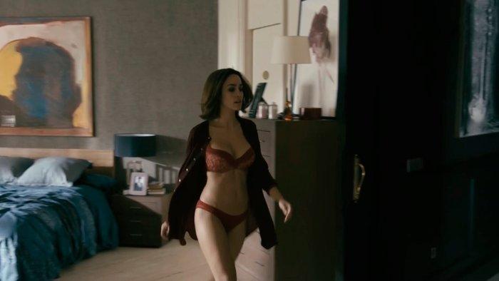 Megan Montaner lencería erótica series