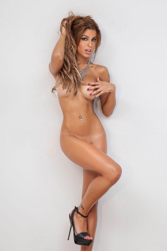 Oriana Marzoli desnuda sesión fotos revista Primera Línea