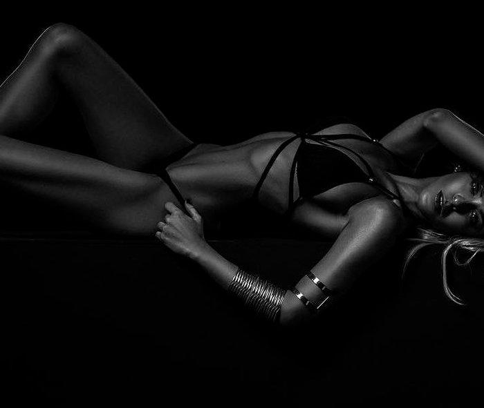 Oriana Marzoli fotos Instagram lenceria erótica posado 5