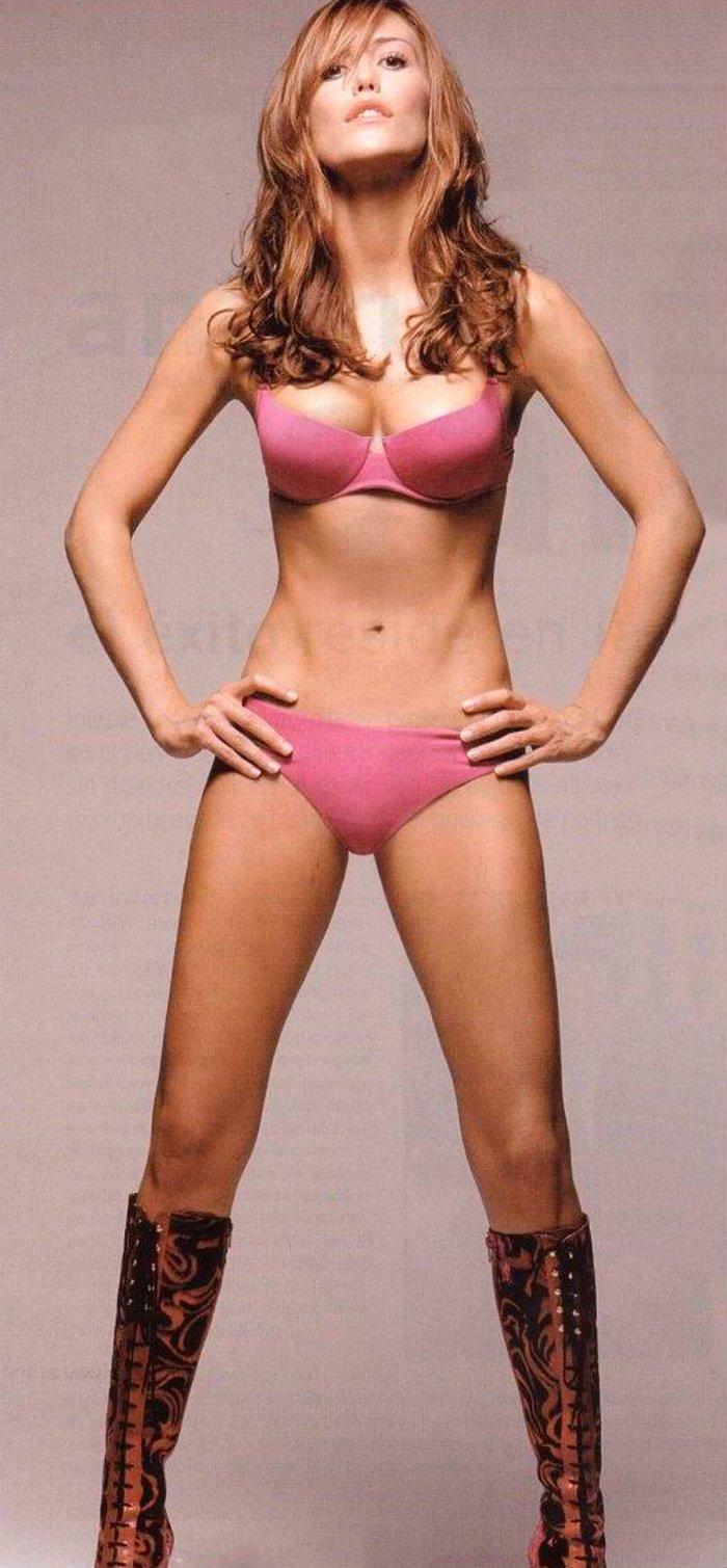 Raquel Meroño desnuda bragas sujetador sexy