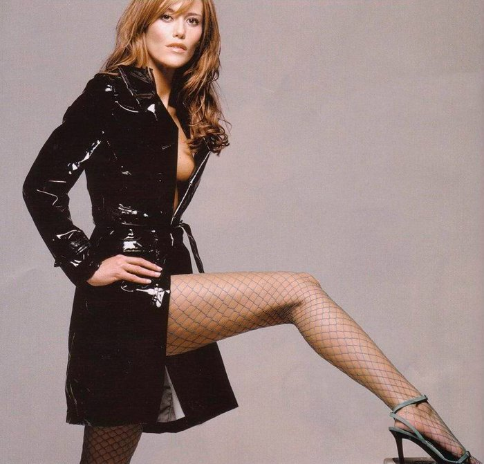 Raquel Meroño luce piernas largas sexys