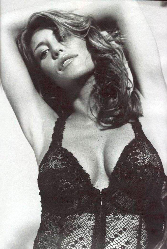 Raquel Meroño semidesnuda lencería erótica