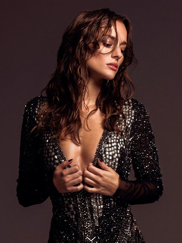 Silvia Alonso fotos sensuales escote