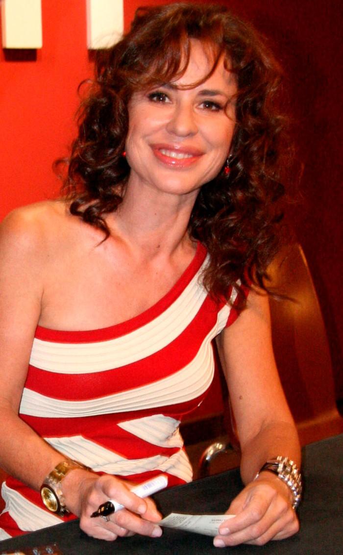 Vicky Larraz cantante española años 80 movida madrileña