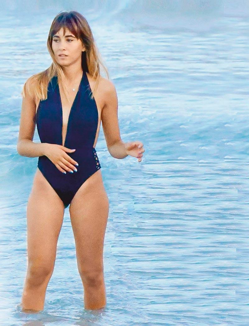 Aitana Ot2017 Fotos Bikini Playa