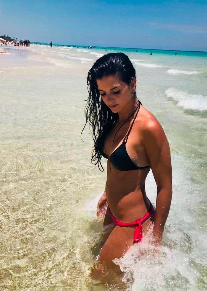 Ana Caldas Bikini Fotos Instagram