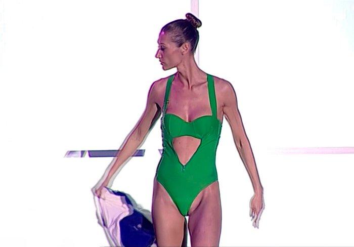 Mónica Pont Bikini Concursante Telecinco Mira Quién Salta 3