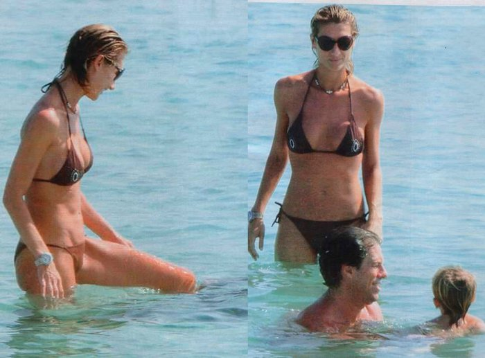 Mónica Pont Bikini Playa Vacaciones Pareja Hijo 2